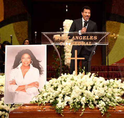 Superstar singer Natalie Cole remembered at funeral